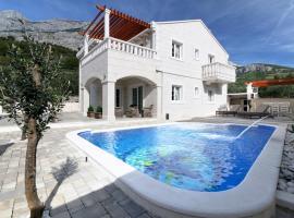Villa Tomo, villa in Makarska