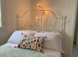 """""""Da Senso"""" Relax nel verde vista mare, apartment in Finale Ligure"""