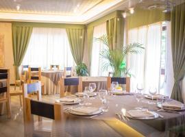 Sport Hotel & Residence Il Bivacco del Parco, hotell i Cutura