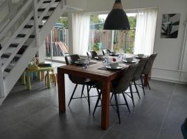 Comfortable holiday home in Noordwijkerhout near the sea, villa in Noordwijkerhout
