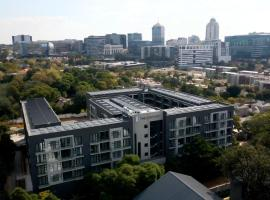 The Catalyst Apartment Hotel, hotel in Johannesburg