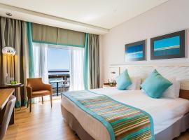 Crowne Plaza Limassol, an IHG Hotel, hotel in Limassol