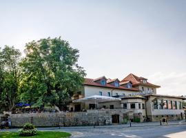 Bergwirt Hotel & Gasthof, hotel near Erl Passion Play Theatre, Kiefersfelden