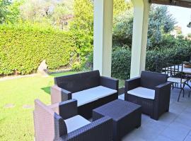 Villa Caranna: soggiorno VIP al Forte dei Marmi, holiday home in Forte dei Marmi