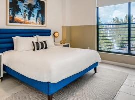 Sentral 2BR Apt with Den in Wynwood, apartment in Miami
