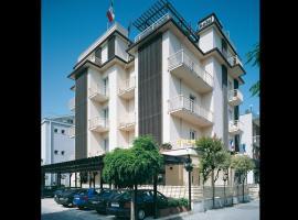 Hotel Emma Nord, hotel in zona Stazione Ferroviaria di Rimini, Rimini