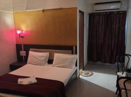 HOTEL S K PALACE、マハバレシュワールのホテル