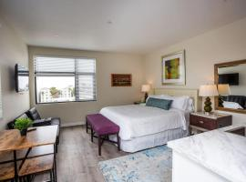 Premier Location with Great Scenic Downtown View, inn in San Diego