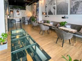 Thruster - mini kino, lobby, kuchnia, netflix – hotel w mieście Gdynia