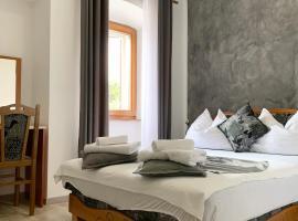 Rooms Valentino, hotel in Poreč