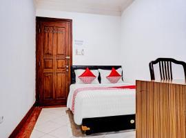 OYO 90558 House Of Livina, hotel near Jatinegara Train Station, Jakarta