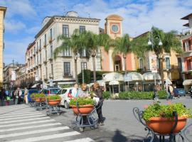 B&B Maison D'Art, hotel boutique a Sorrento