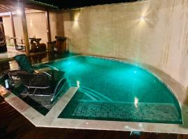 Linda casa com piscina Bosque de Geriba, vacation home in Búzios