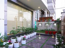 Lime Tree Hotel Pulkit Gurgaon-Artemis Hospital, Nearest Metro Huda City Centre, hotel near Medanta Hospital, Gurgaon