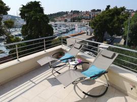 Orsan - Elegant apartment with private terrace, hotel near Dubrovnik Main Bus Station, Dubrovnik