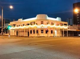 Newmarket Hotel, hotel near Townsville Airport - TSV, Townsville