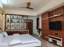 Shanti Villas - Luxury Home Stay Apartment, hotel near Sawai ManSingh Medical College, Jaipur