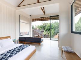 Contemporary Artisanal Studio Apartment in Ubud, apartment in Ubud