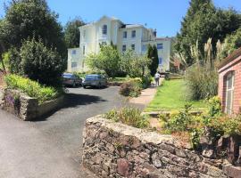 Chelston Dene Holiday Apartments, apartment in Torquay