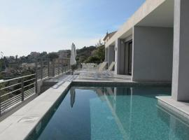 Villa 5* Nice St Pancrace, holiday home in Nice