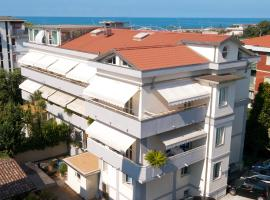 Hotel Dany, hotell i Marina di Massa