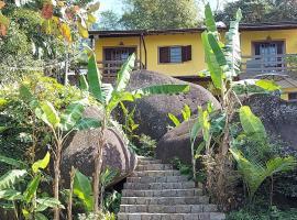 Flats Alto das Pedras, hotel perto de Praia de Trindade, Trindade