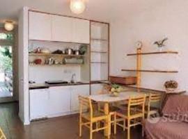 APPARTAMENTO 7 POSTI LETTO SITO IN RESIDENCE PIANETA MARATEA, apartment in Maratea