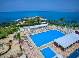 Queens Bay Hotel, hotel in Paphos