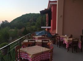 HOTEL ΗΩ (ΞΕΝΩΝΑΣ ΤΣΙΑΧΡΗΣ), hotel near Meteora, Morfovoúnion