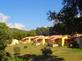 i Caseddi di Filitosa, resort village in Sollacaro