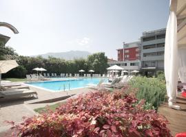 Hotel Luise, hotel in zona Lago di Ledro, Riva del Garda