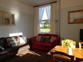 Abbey View Holiday Flats, apartment in Torquay