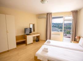 Hotel Astra, отель в Сандански