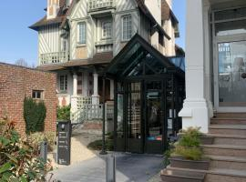Villa Augeval Hôtel de charme & Spa, hotel v destinaci Deauville