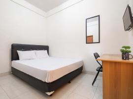 OYO Life 2807 Nusa Indah Kost Putri, hotel with parking in Yogyakarta