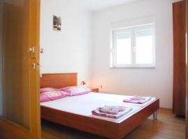 Apartment Danica Heart of the City Tučepi, room in Tučepi