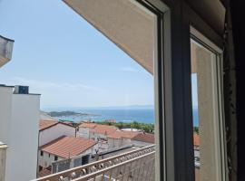 Super Comfort Penthouse Mijo in Makarska, room in Tučepi