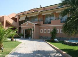 Christina Hotel, hotel in Mesongi