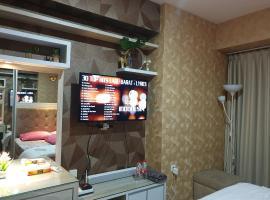 Studio DELUXE Grand Kamala Lagoon By Ataya Room Property, apartment in Bekasi