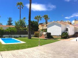 VILLA DEL SOL Beach Premium 8PAX, villa in Torre de Benagalbón