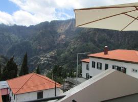 Valley of Nuns Holiday Apartments, hotel near Arieiro Peak, Curral das Freiras