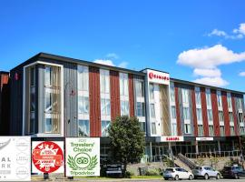 Ramada Suites by Wyndham Albany, serviced apartment in Auckland
