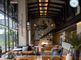 The Journey Hotel Bangna, hotel in Samut Prakan