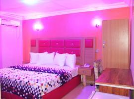 Kingz Suites Hotel, hotel near Murtala Muhammed International Airport - LOS, Ikeja