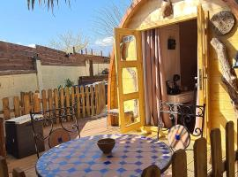 lodges les muriers pour 4, luxury tent in Prunelli-di-Fiumorbo