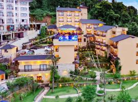 Bar Peepal Resort, hotel in Pokhara