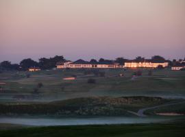 Trevose Golf and Country Club, resort in Padstow