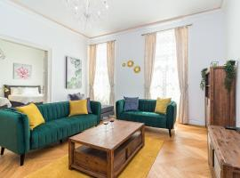 Apartment Augier - Elegant & Spacious - City Centre with Free Parking, apartment in Pula