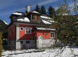 Villa Schnuck - das rote Ferienhaus, Ferienhaus in Bad Gastein