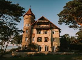 Zamek Łeba – hotel w Łebie